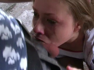 Извращенец насильно заставил девушку делать минет в заброшенном ангаре