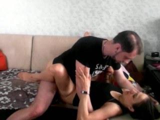 Парень пожелал красавице доброго утра занявшись с ней клевым сексом