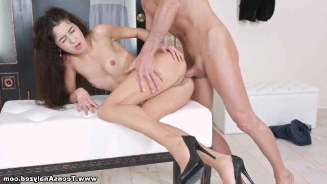 porno-glubini-anala