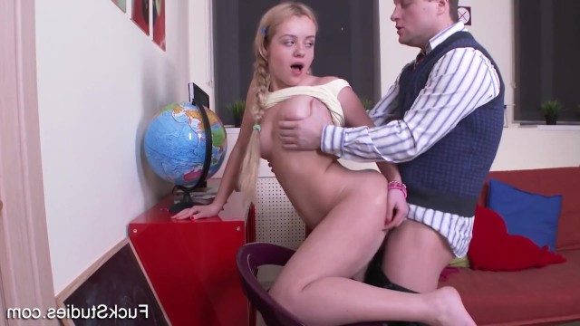Порно с репетитором на дому русское